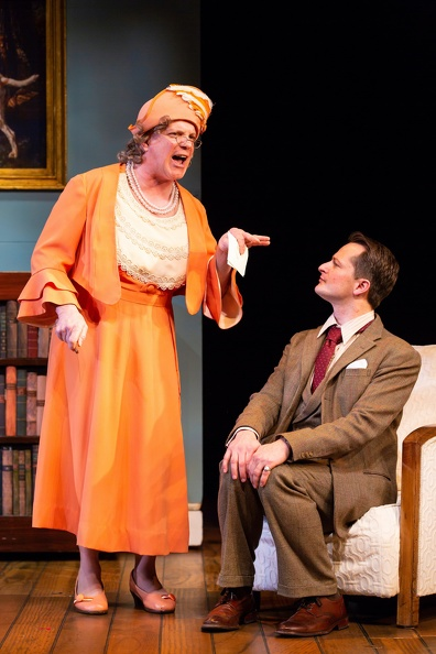 Steppings as Aunt Dahlia (Eddie Korbich), Bertie (Chandler Williams)
