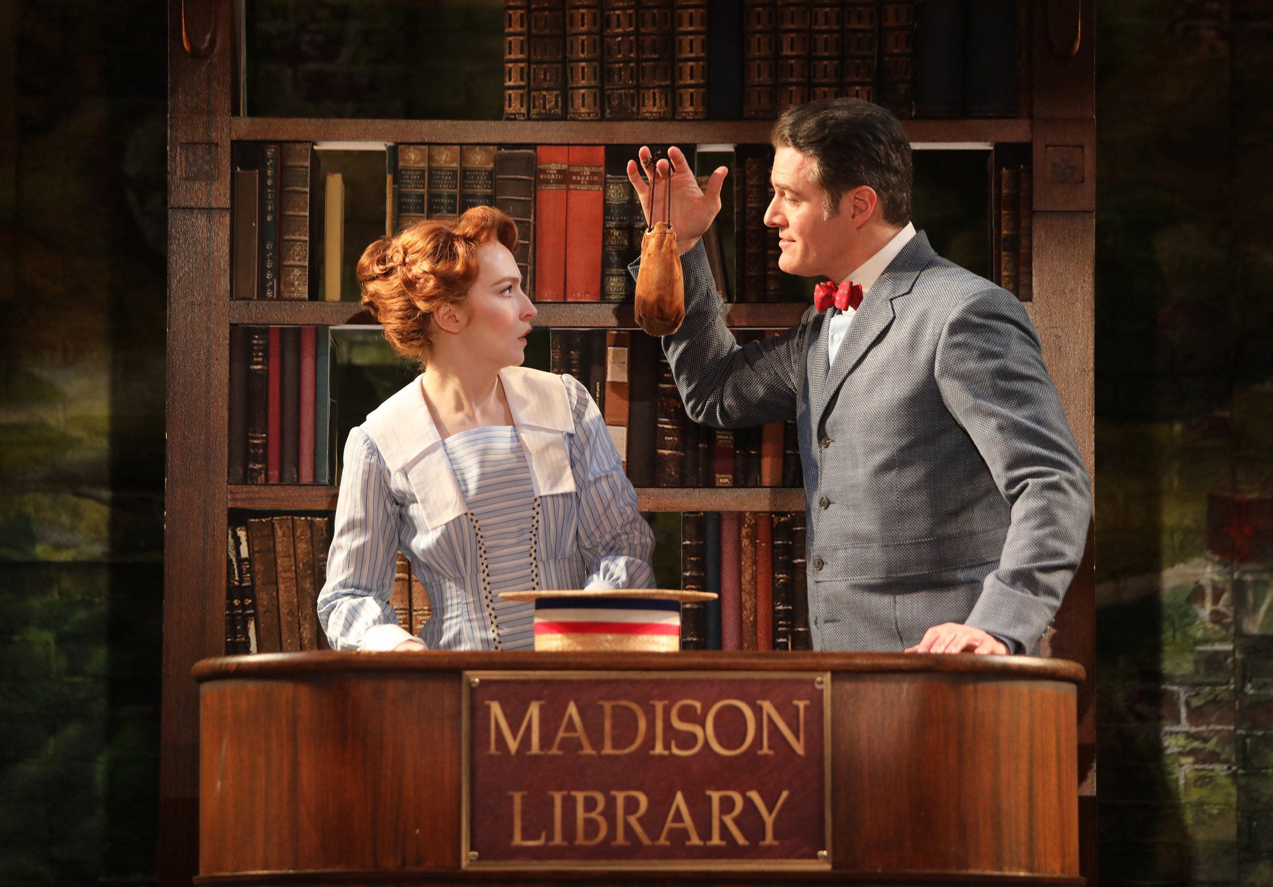 Marion (Ellie Fishman), Harold Hill (Edward Watts) (photo by Diane Sobolewski)