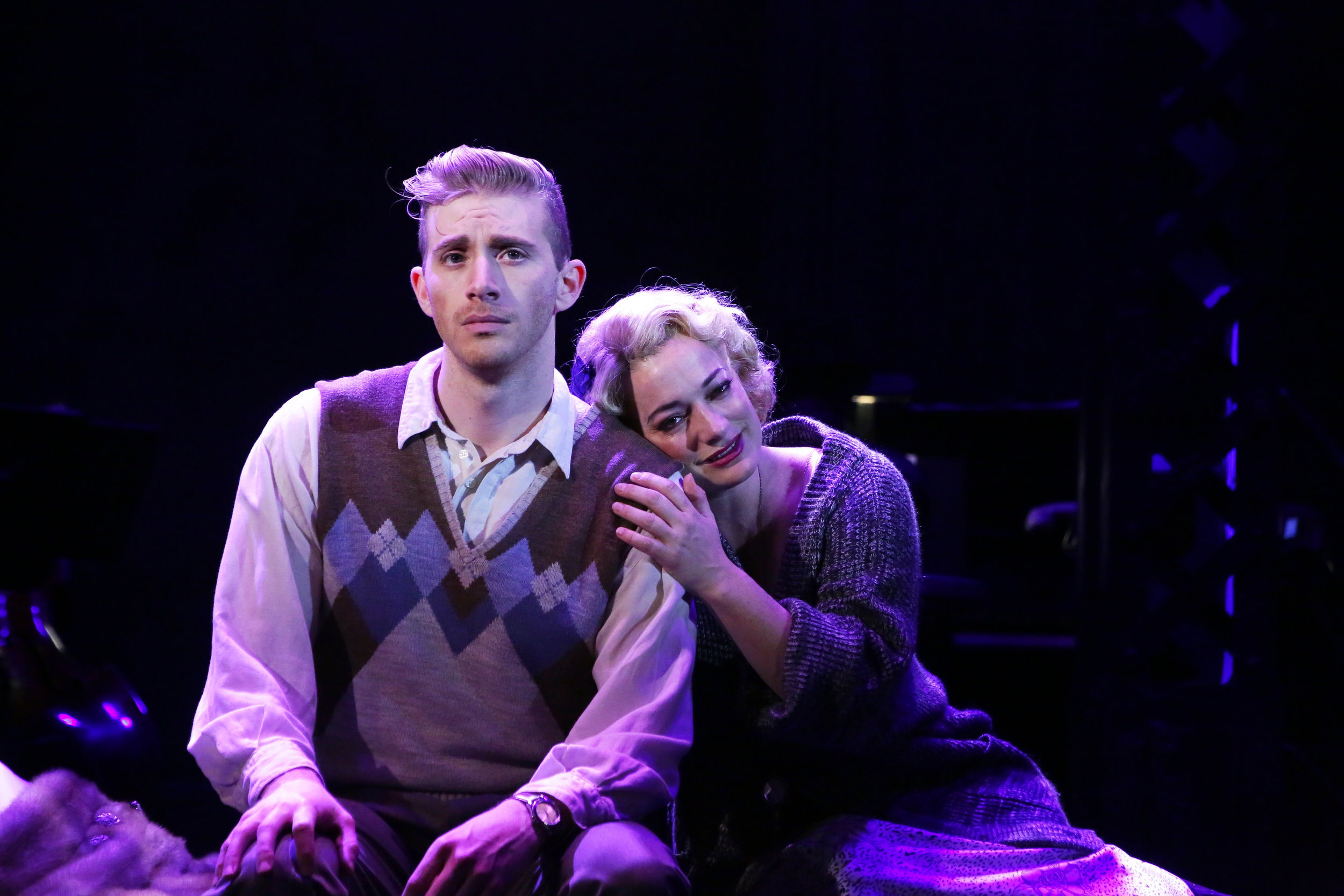 Cliff Bradshaw (Rob Barnes), Sally Bowles (Laura Michelle Kelly)
