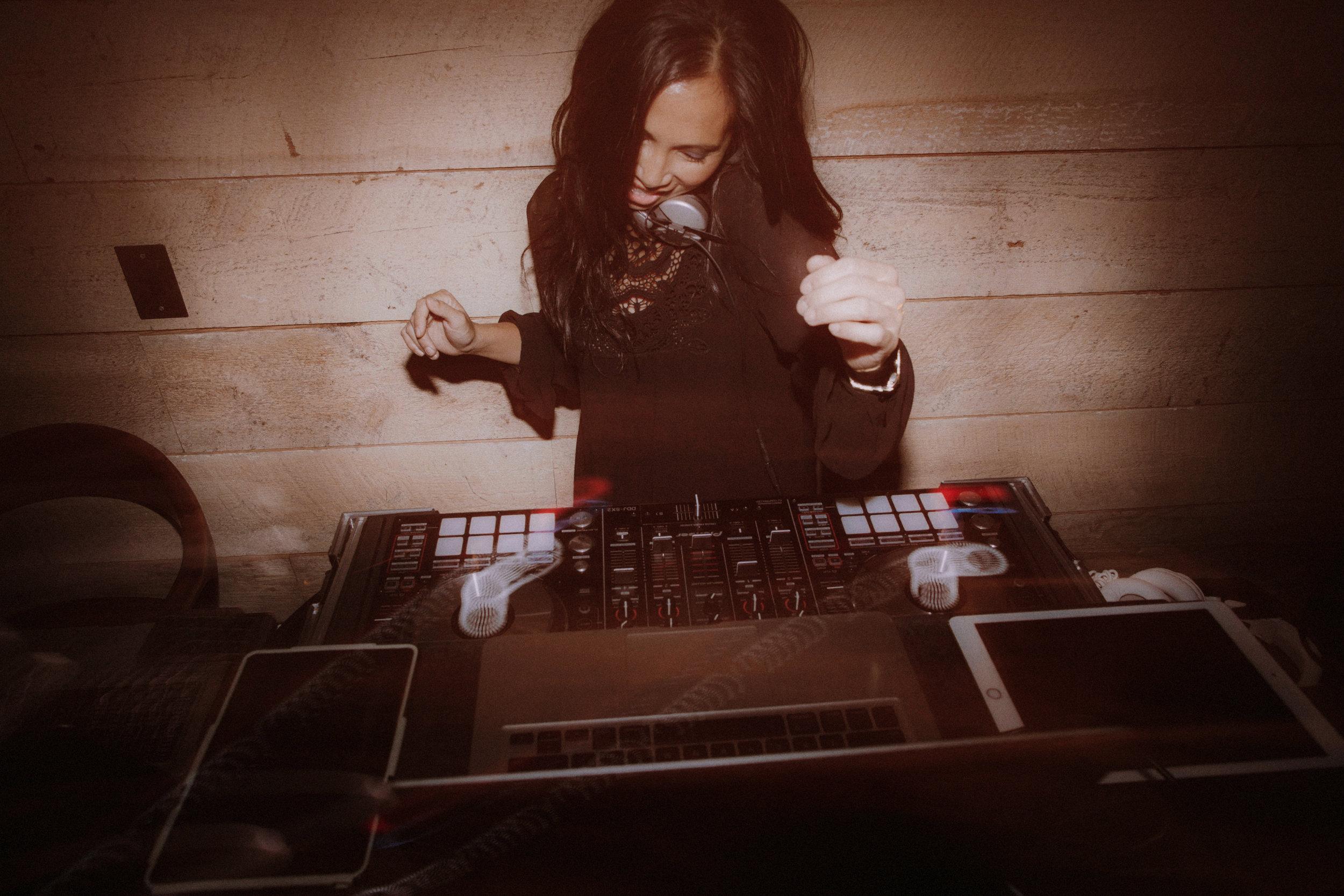 GRACE+DJ-DO-LA-SO-DAMN-WELL1242.jpg
