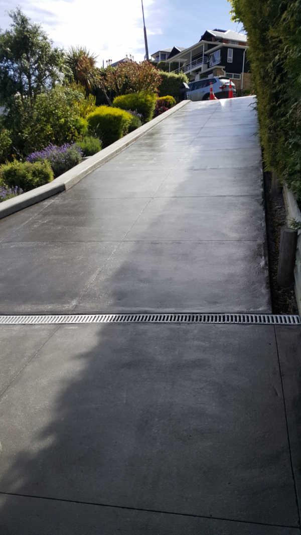Bluestone-Colour-and-cut-concrete-Driveway(6).jpg