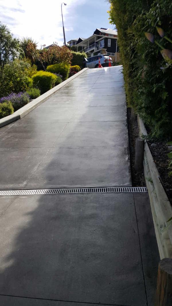 Bluestone-Colour-and-cut-concrete-Driveway(7).jpg