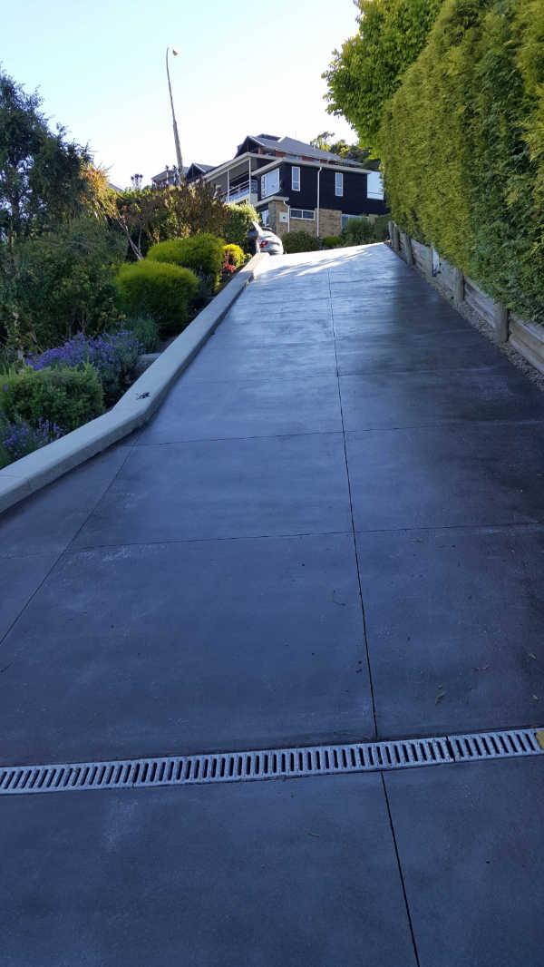 Bluestone-Colour-and-cut-concrete-Driveway(8 (2).jpg