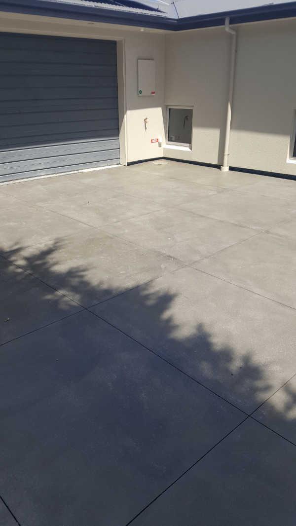 Bluestone-Colour-and-cut-concrete-Driveway(8).jpg