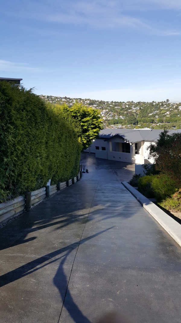 Bluestone-Colour-and-cut-concrete-Driveway(10 (2).jpg