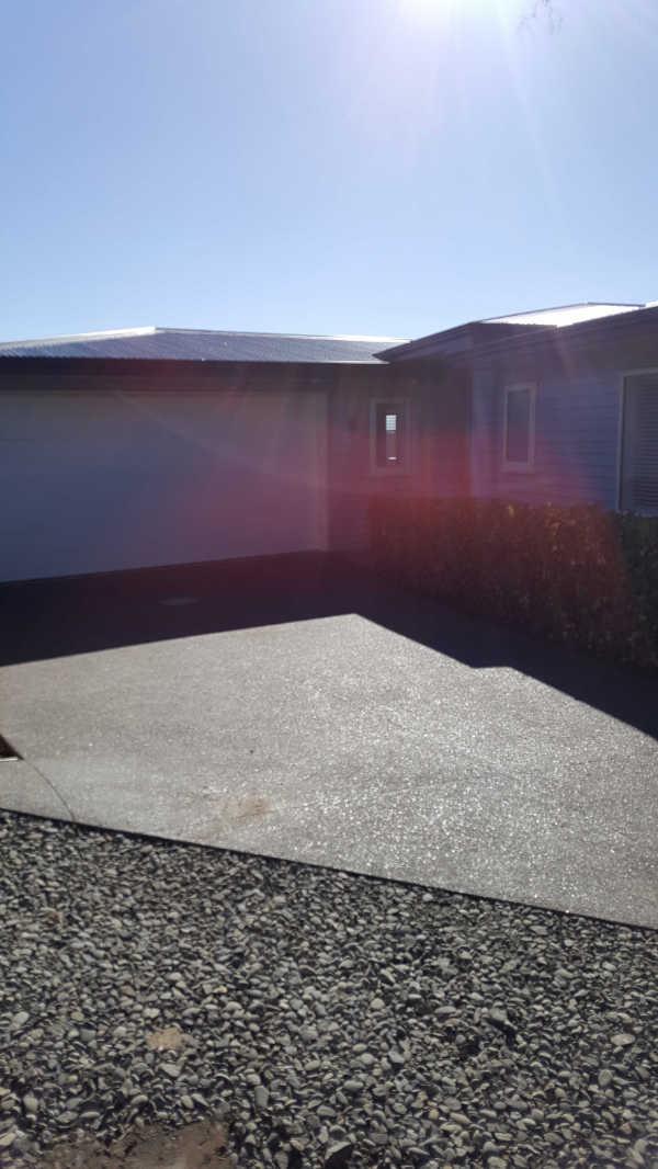 Exposed-aggregate-concrete-patio-2 (2).jpg