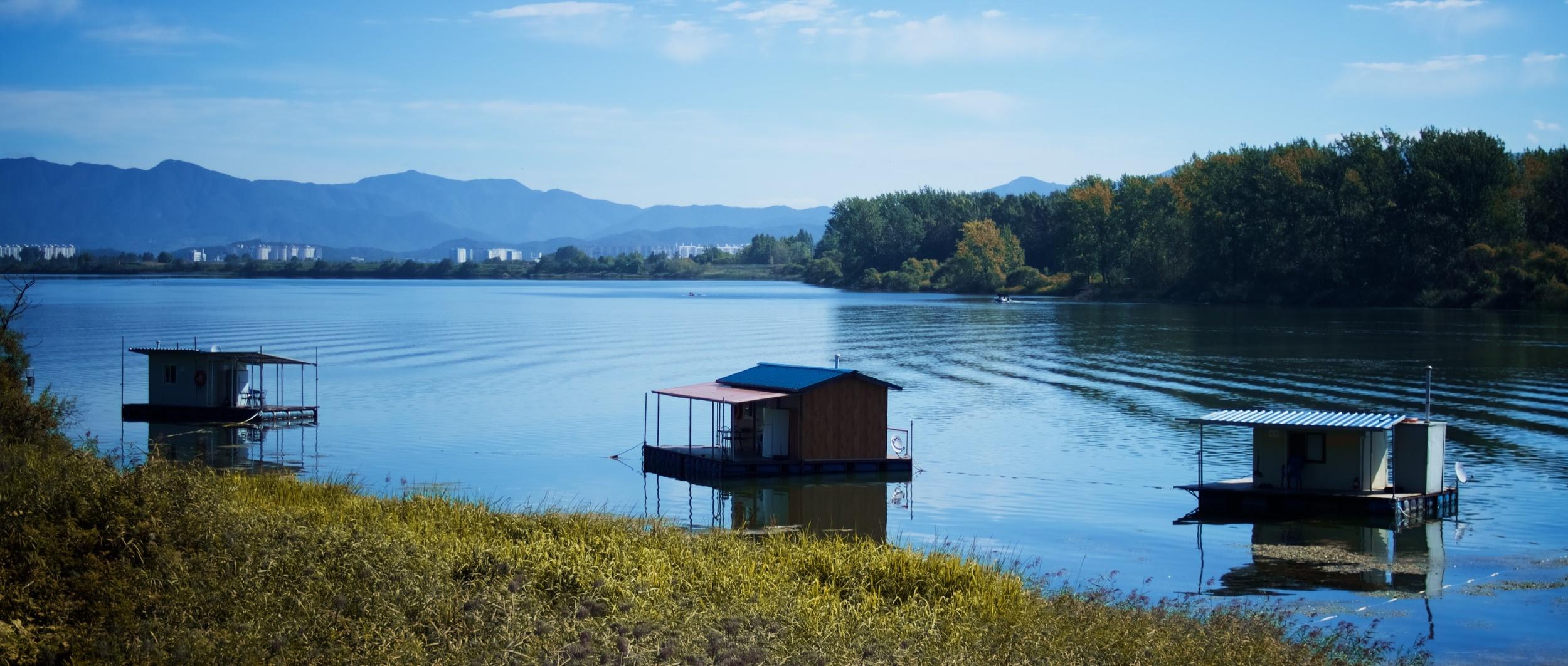 Lake House 5.jpg