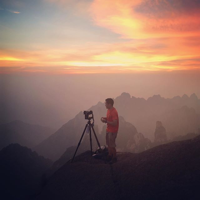 Absolute privilege filming at Huangshan - aka. Avatar mountains as the sun set over the breathtaking landscapes! #landscape #avatarmountains #china #behindthescenes #timelapse #iphonexsmax