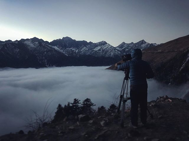 3am start - totally worth it!!! 🙌👏🤙 #timelapse #seaofclouds #sunrise #china #sichuan #wolong #behindthescenes #reddigitalcinema #iphonexsmax
