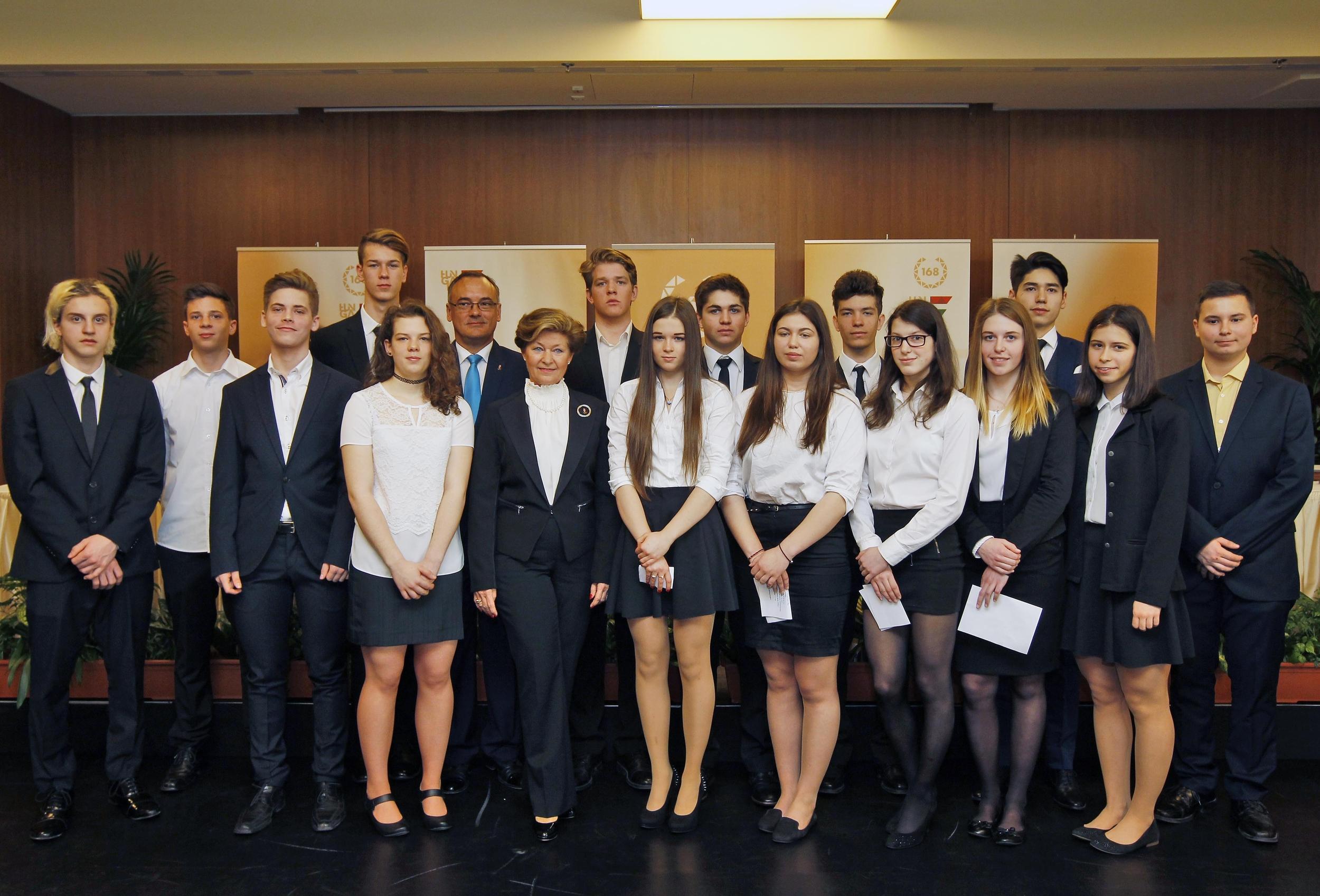 A lillehammeri Ifjúsági Olimpiára utazó csapat (Fotó: MOB/Szalmás Péter)