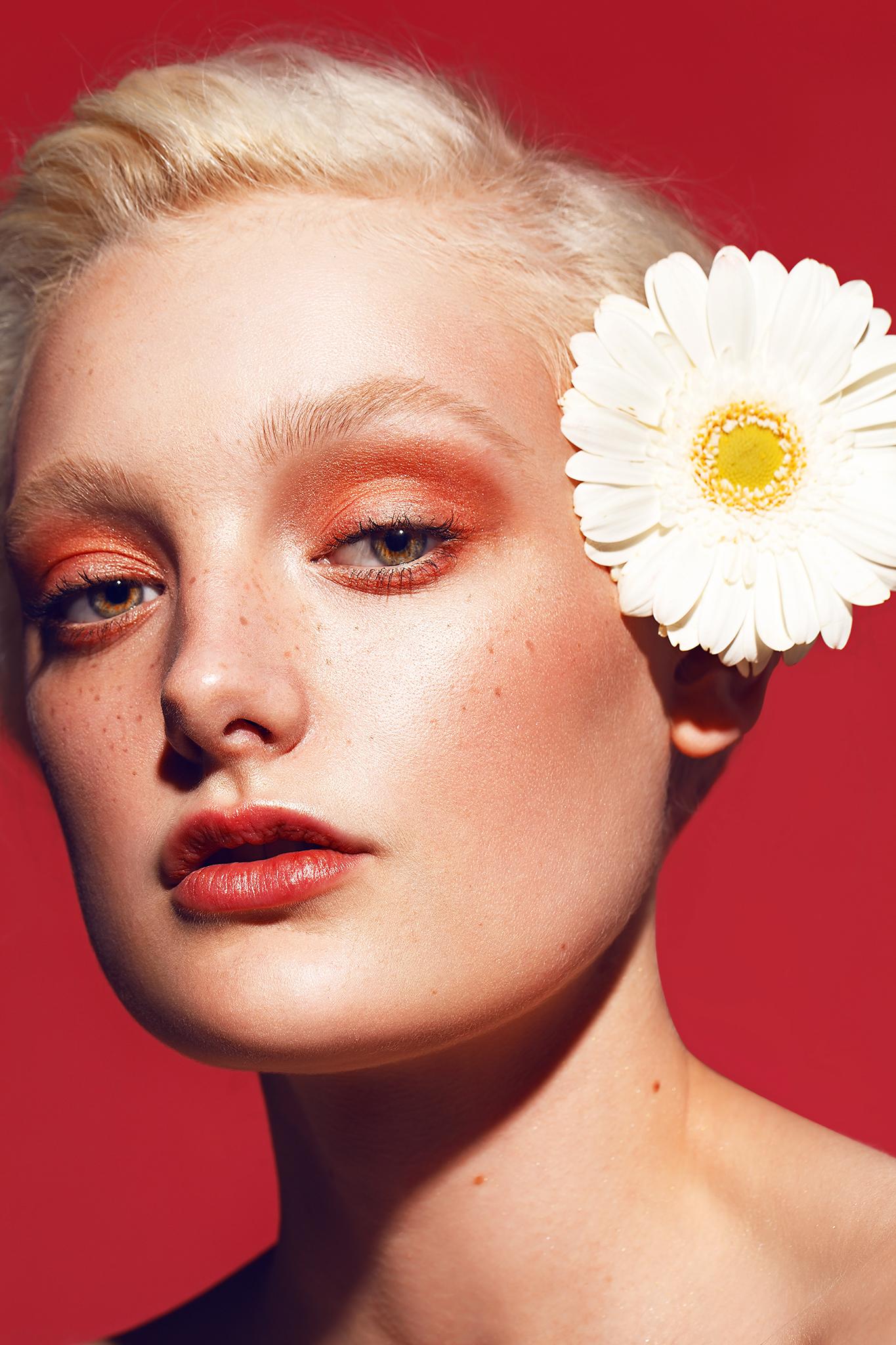 Beauty-Photography-by-beauty-Photographer-Dana-Cole-Red-makeup-fashion-model-heartbreak-models-sunflower-profoto-blonde-model-red-lips-beauty-photo-colorful-makeup.jpg