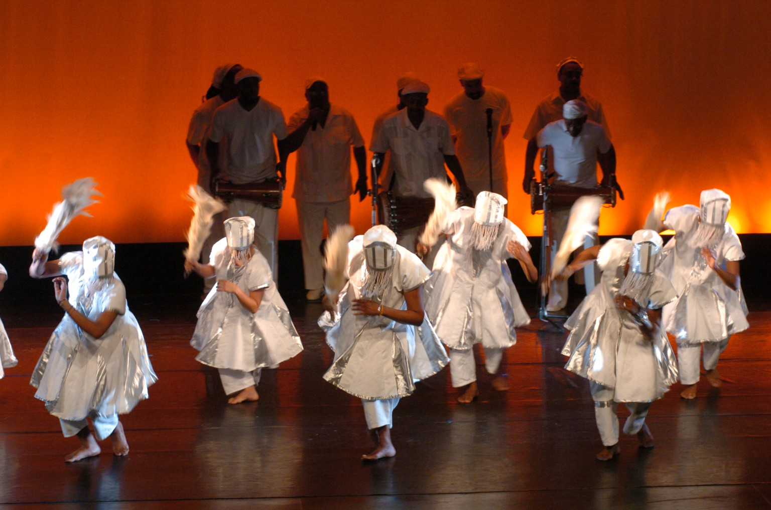 DANCE GROUP DURING A PERFORMANCE