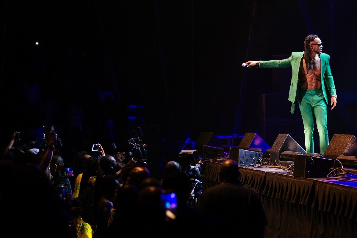 Nigerian Highlife/Afropop artiste, Flavour on stage at the One Africa Music Fest // Source: www.thisisafrica.me/