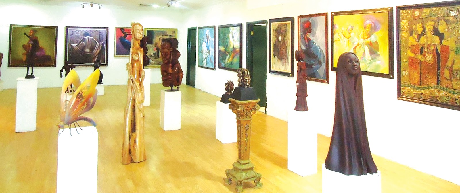 An Exhibition at Rele art Gallery // source: authorityngr.com
