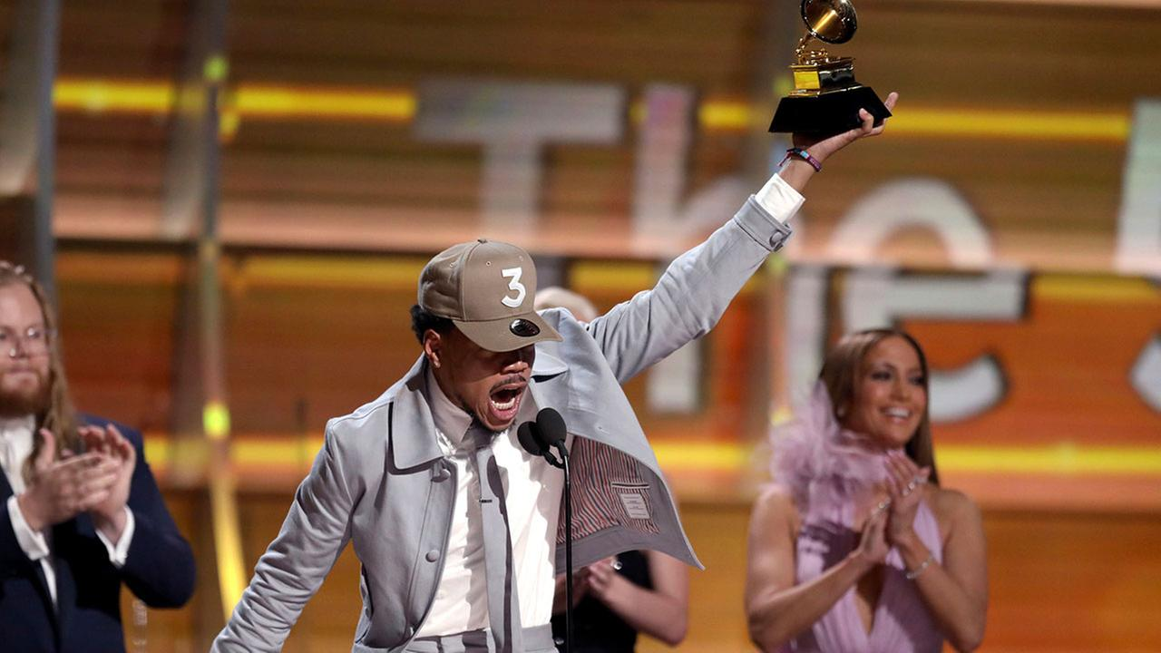Chance the Rapper on Stage at the 2017 Grammys / Source: cdn.abclocal.go.com
