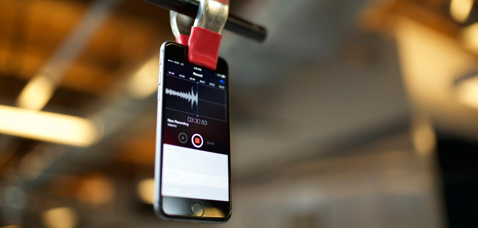 Podcast recording on iPhone, Photo via /wistia.com