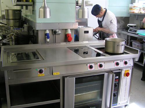 catering_range_cooker.jpg