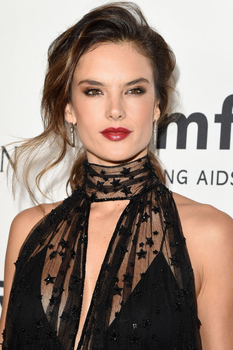 hbz-the-list-holiday-hair-makeup-alessandra-ambrosio-gettyimages-494871594.jpg