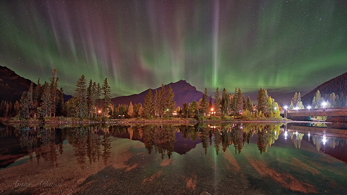 Banff Northern Lights 171006 Amar Athwal.jpg