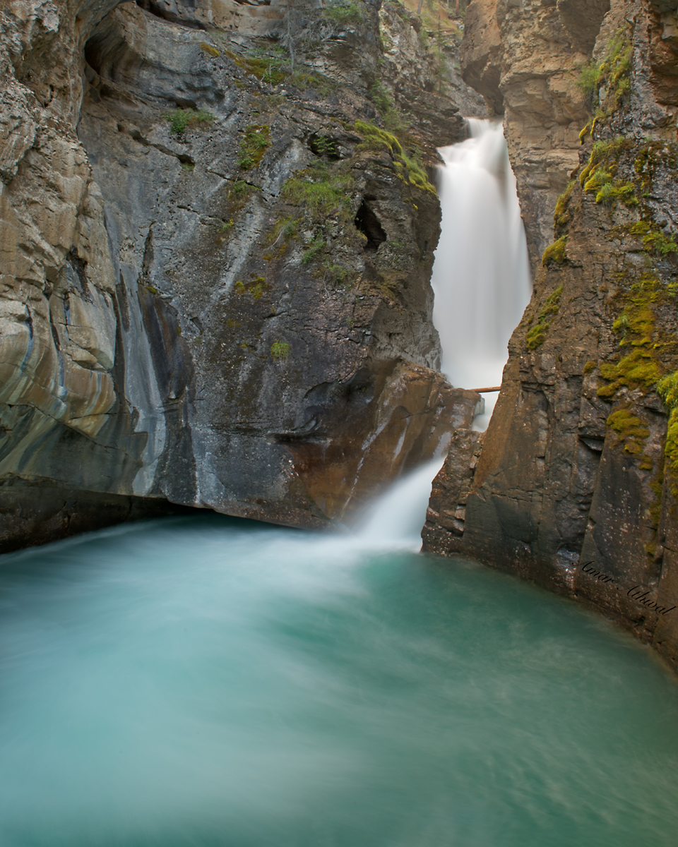 Johnston Canyon 190812 Amar Athwal.jpg