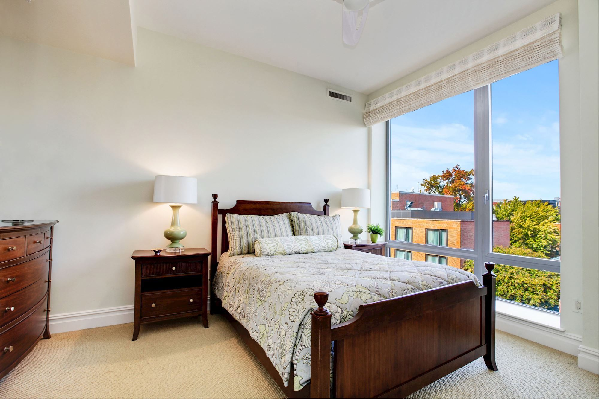 Bedroom Three offers Georgetown Views