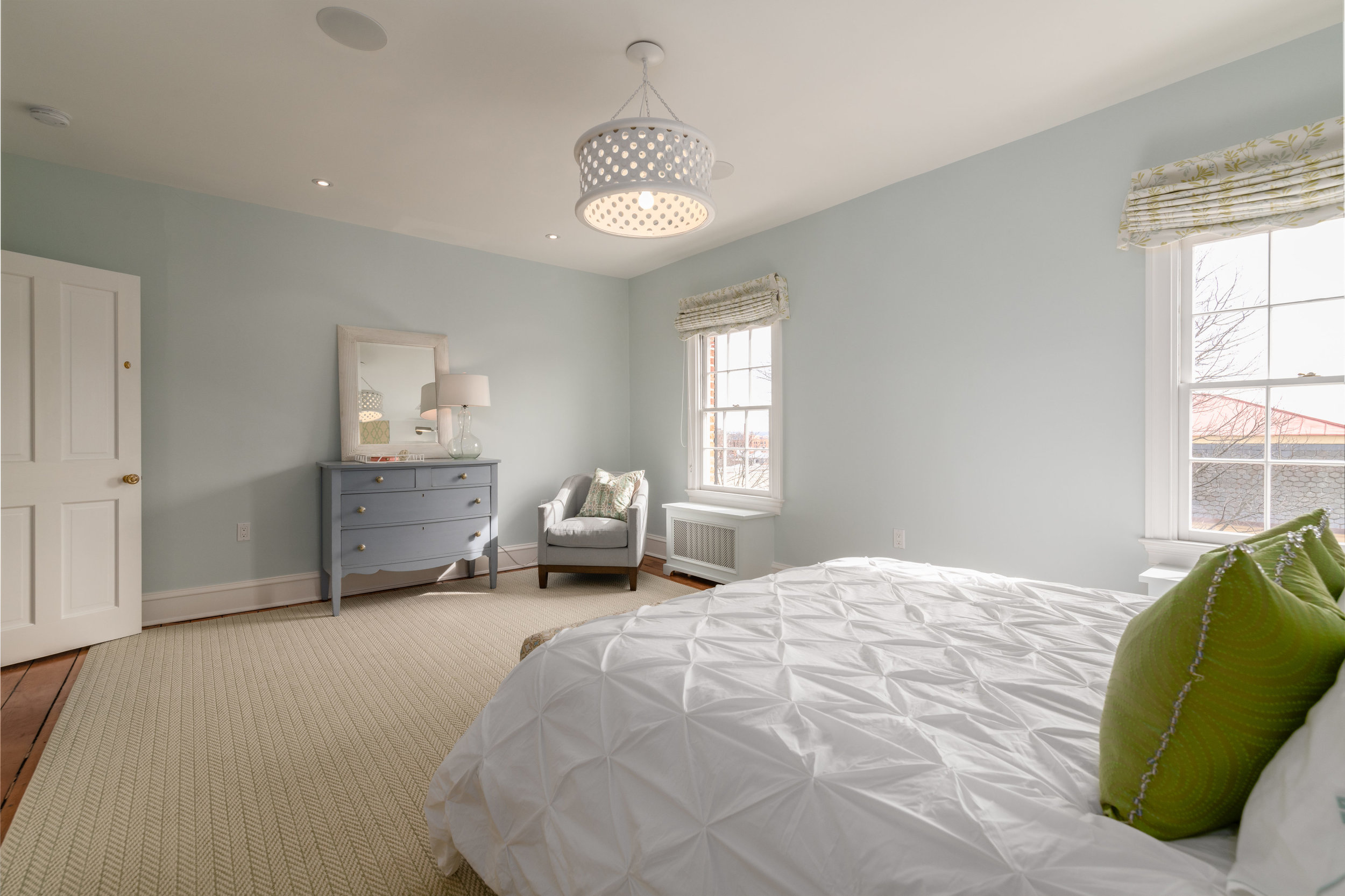 Bedroom Three Features Washington Monument Views