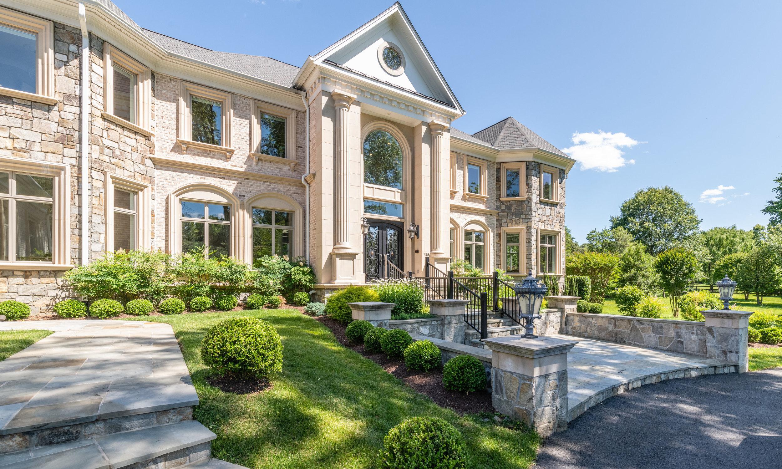 Impressive Great Falls Manor on 2.95 acres