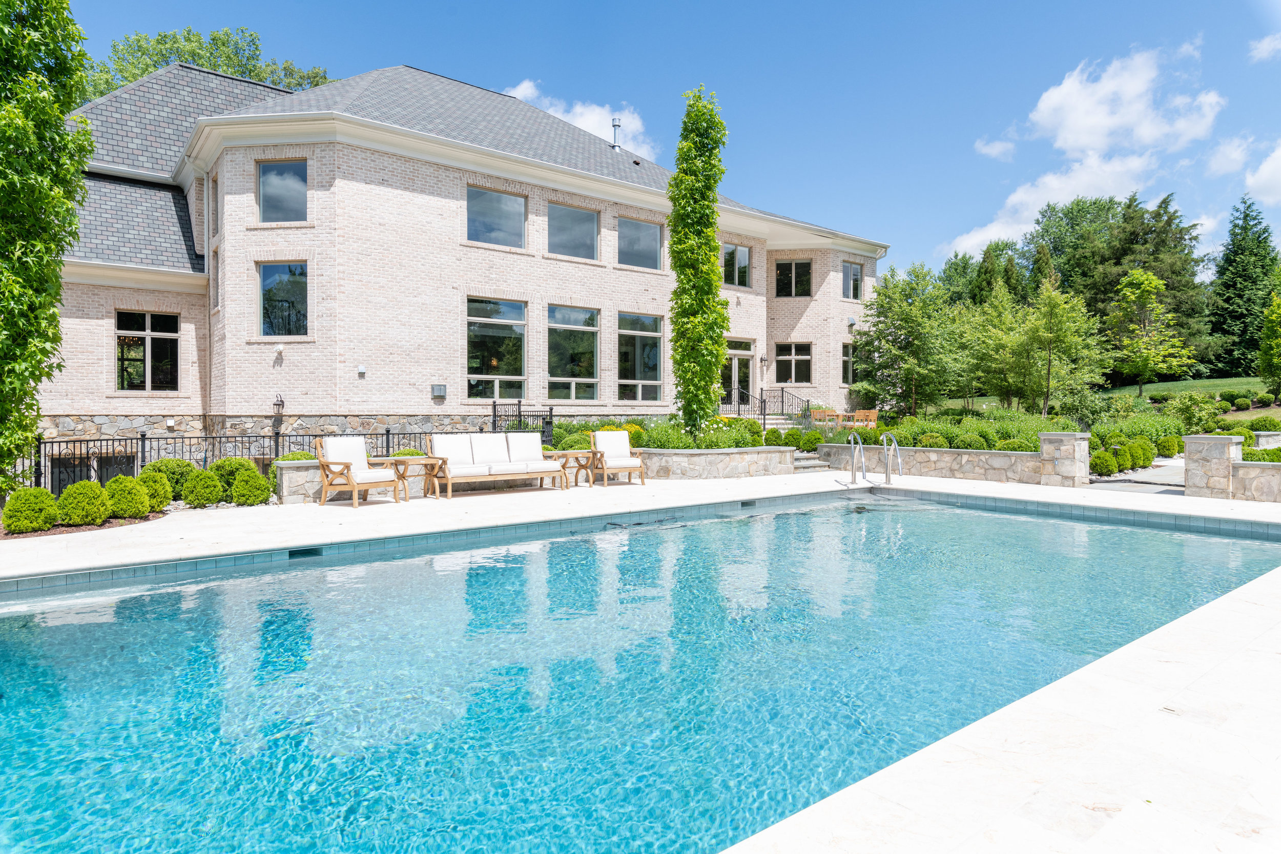 Lovely Pool and Terraces
