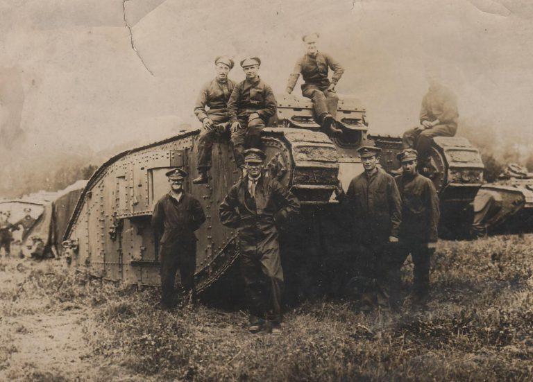 Mk-IV-tank-with-crew-768x551.jpg