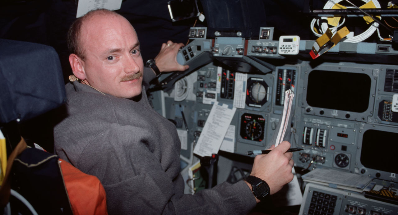 Scott Kelly, on Space Shuttle  Discovery  following his return from STS-103. Photo credit: NASA