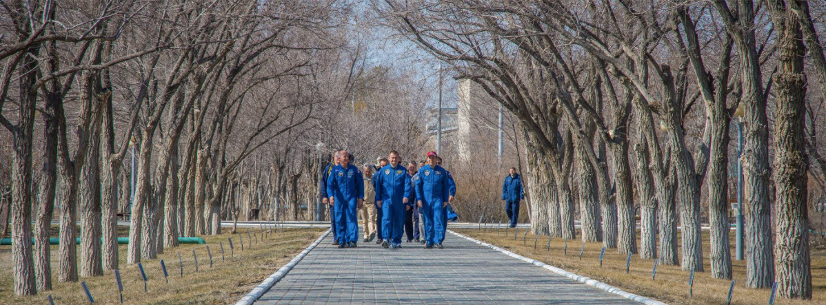 Expedition 47/48 crew on the Avenue of the Cosmonauts before launch. Photo Credit: Roscosmos