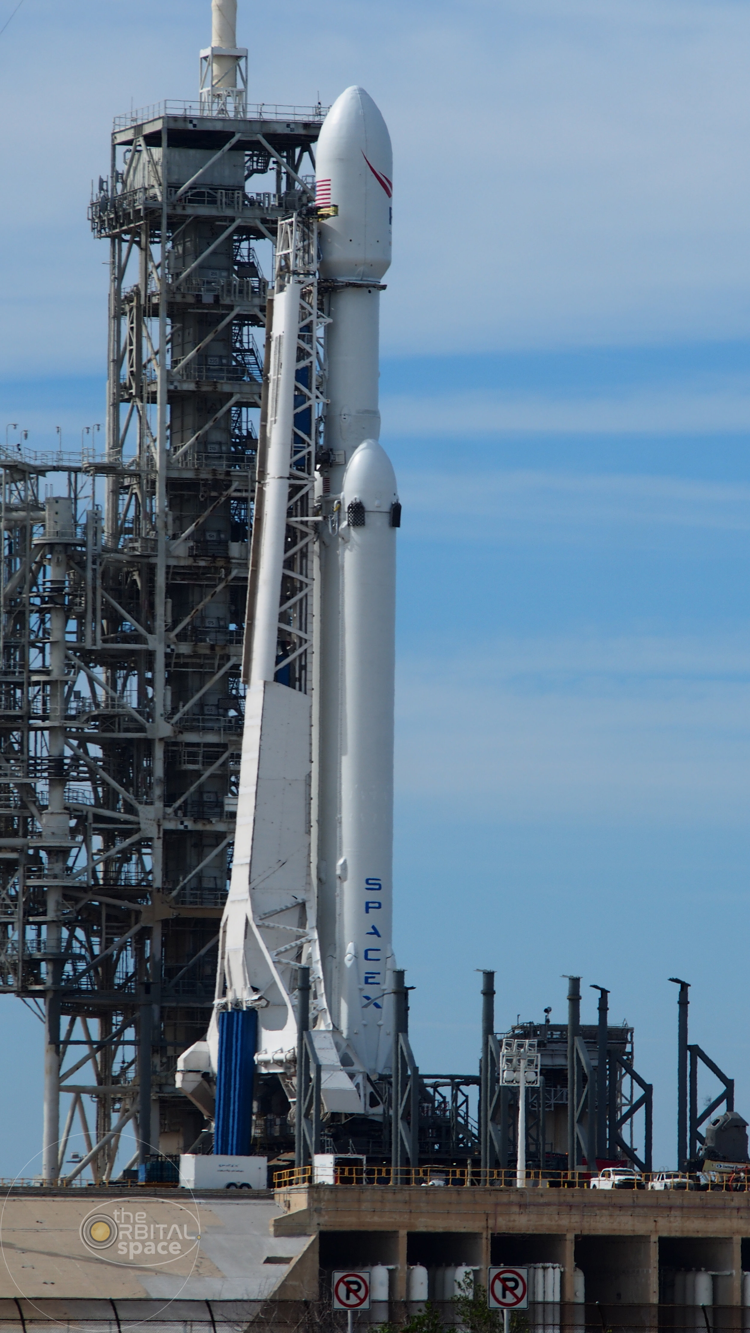 SpaceX's Falcon Heavy at LC-39A