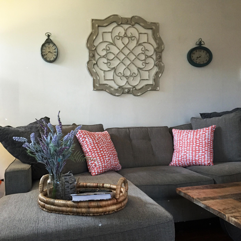 Living Room - Throw Pillows!