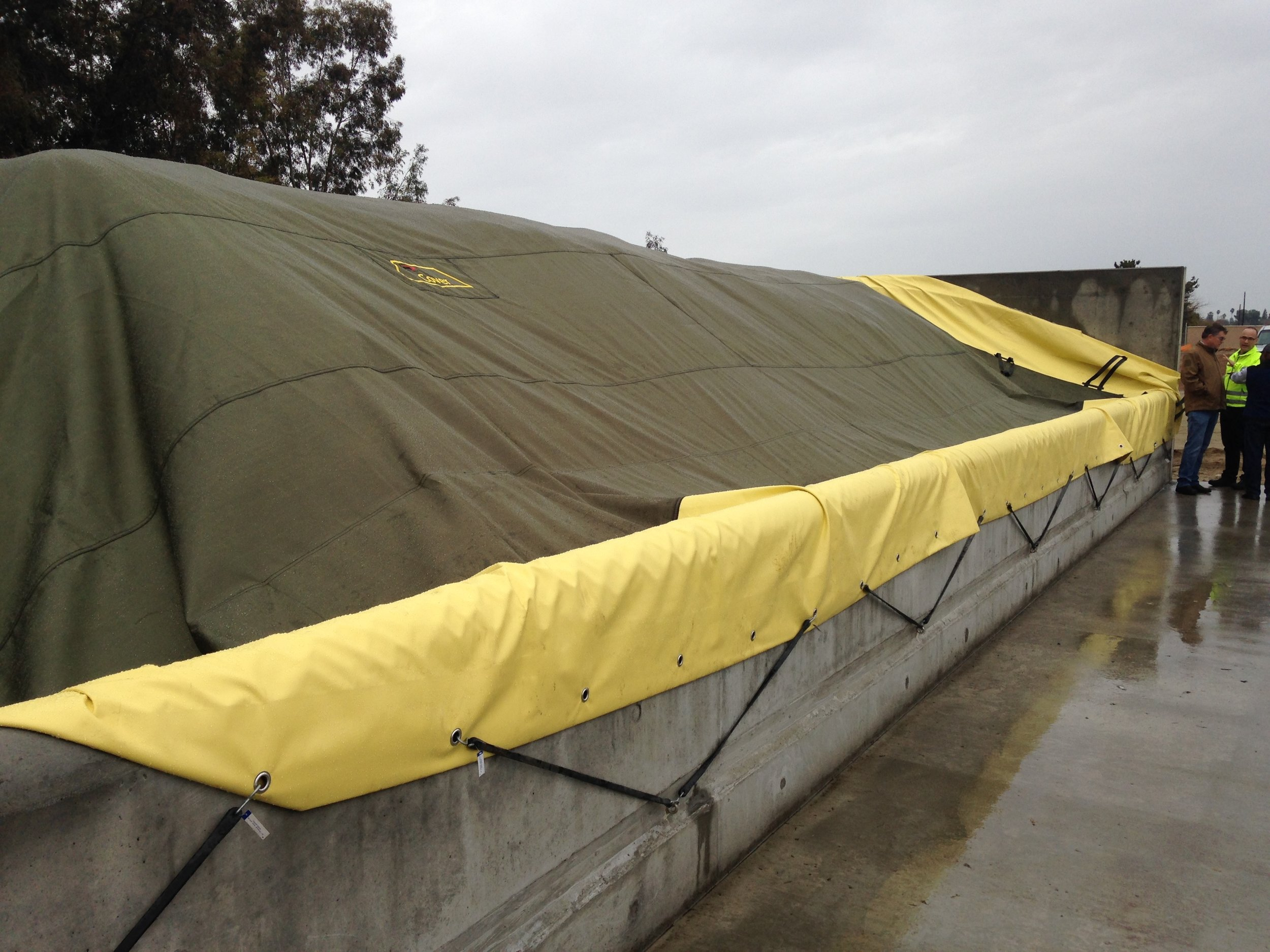 GORE composting technology covers Mid Valley Disposal's 16 composting bunkers