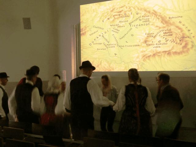 Moldvai táncház.png