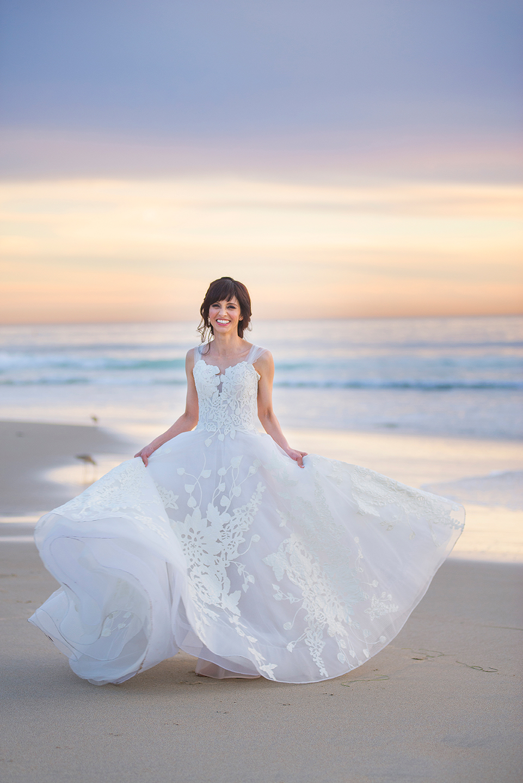 Erin-Shimazu-Photography-Wedding-Bride-Beach-Alice1.jpg