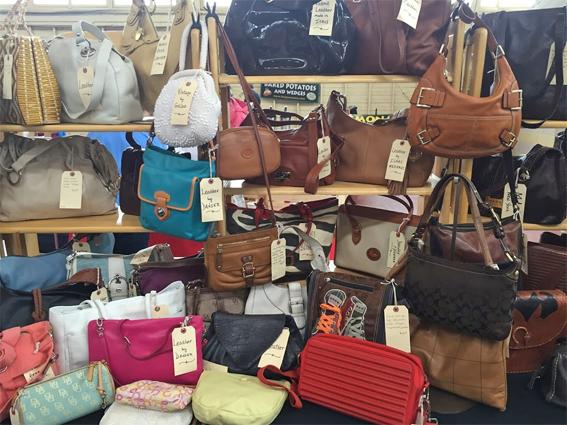 613flea-vintage-handbags-sm.jpg