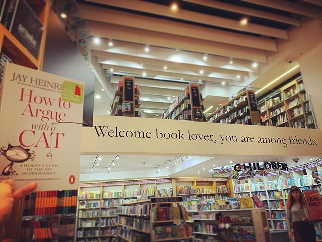 """🐱""""Welcome book lover, you are amongst friends"""". How To Argue With A Cat   summer offer!   Foyles @foylesforbooks #booklover #teachersummer #teachersummerreading #middleschoolteacher #middleschoolteachers #summerteacher #highschoolteacher #highschool #books #booksandcats #bookstagram #bookstagrammer #persuasion #cleverbooks #smartbooks #selfhelp #selfhelpbooks"""