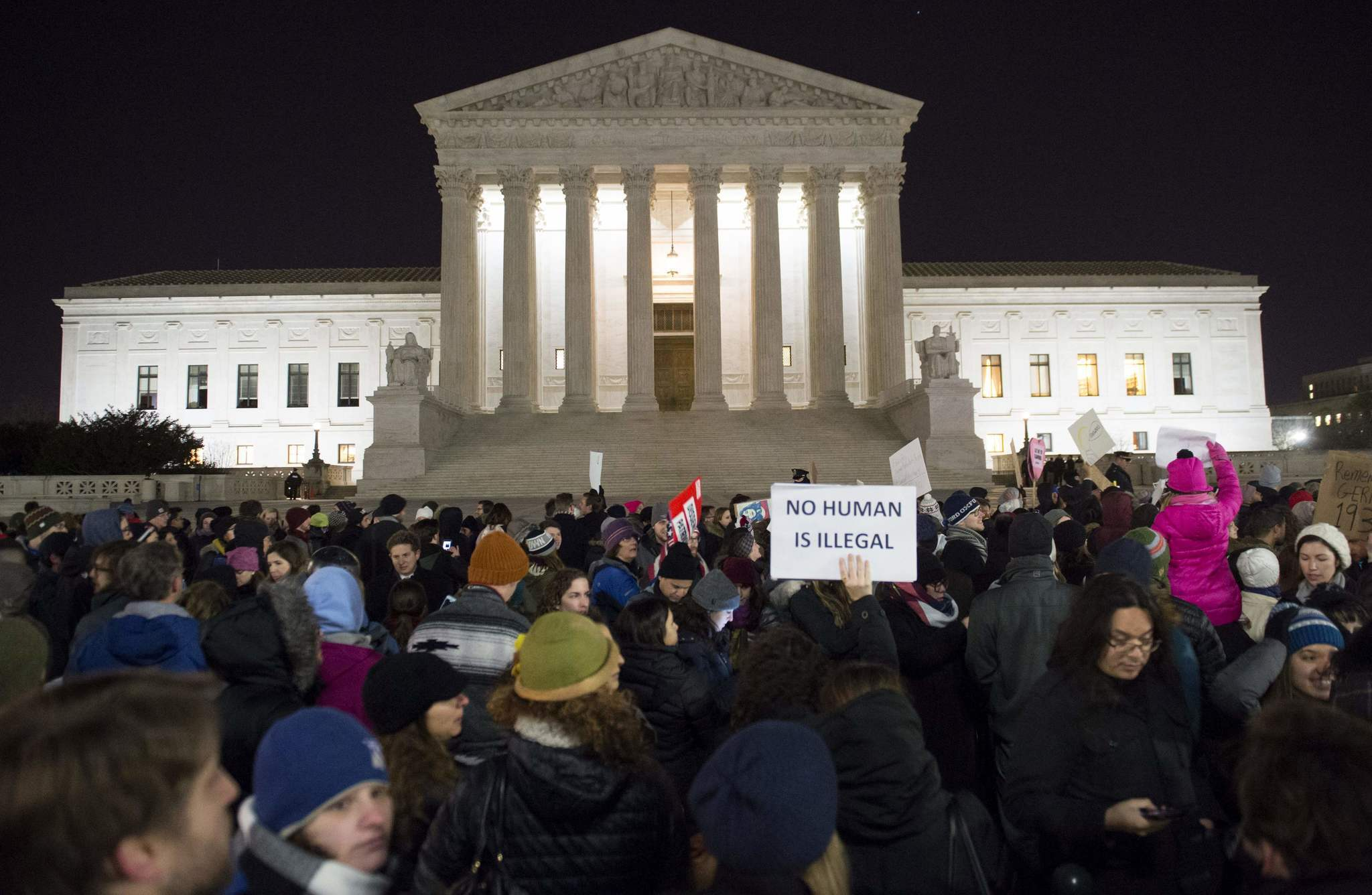 supreme-court-travel-ban-20171204.jpg