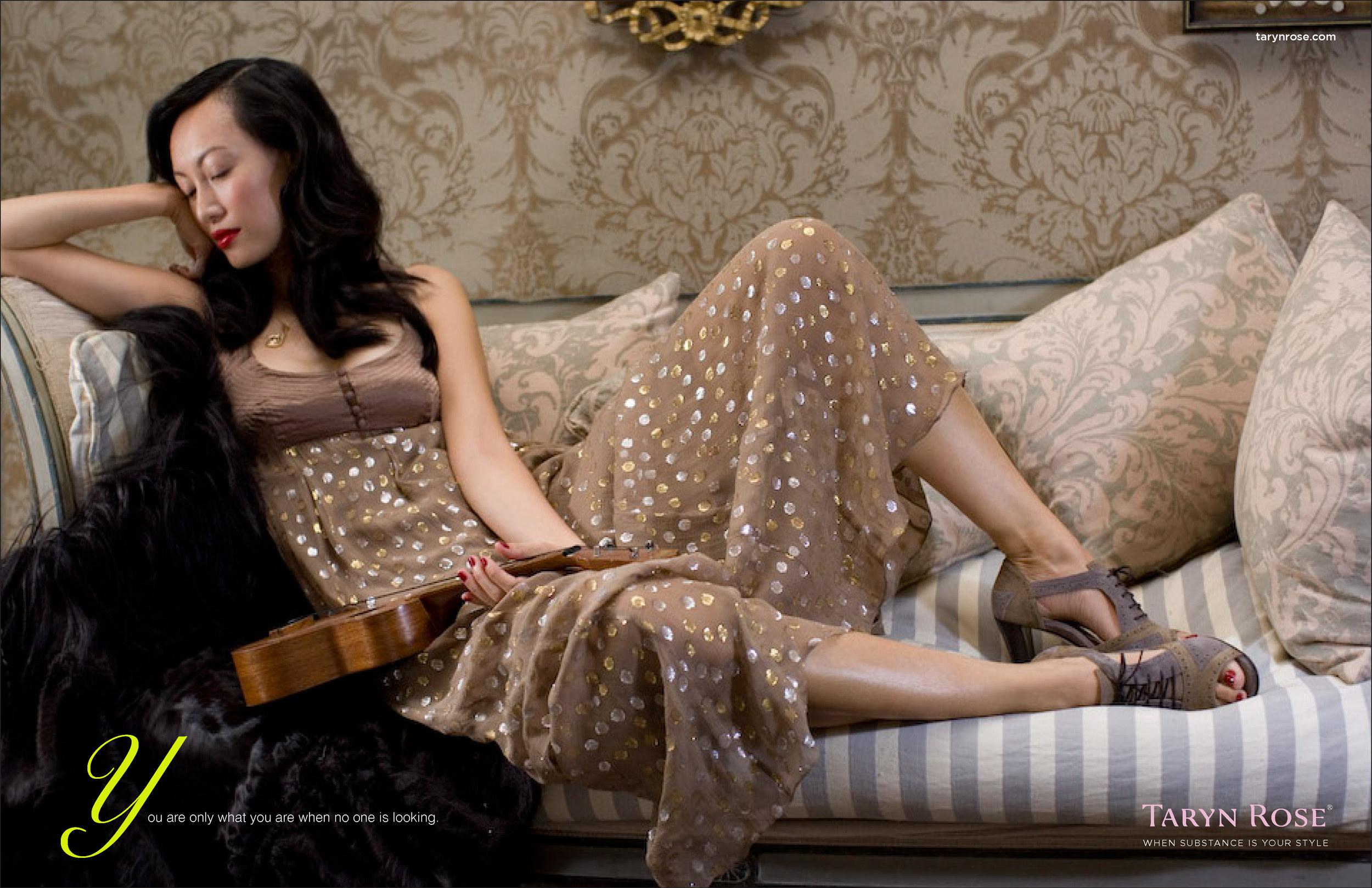 ative_Director_Taryn_Rose_Shoes_print_recling_woman.jpg