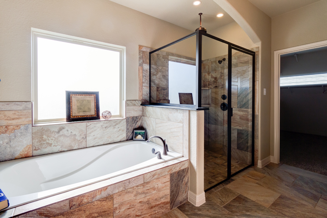 Owners suite bath 2.jpg