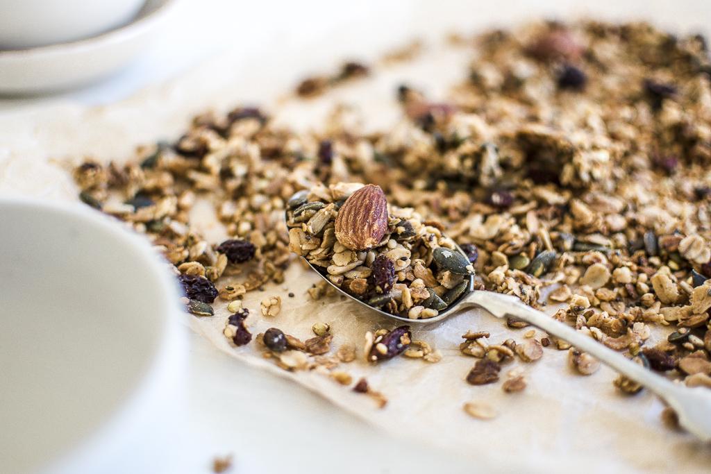 fruit-nut-homemade-muesli-recipe-georgia-barnes