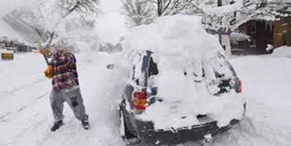 snow_on_car.jpg