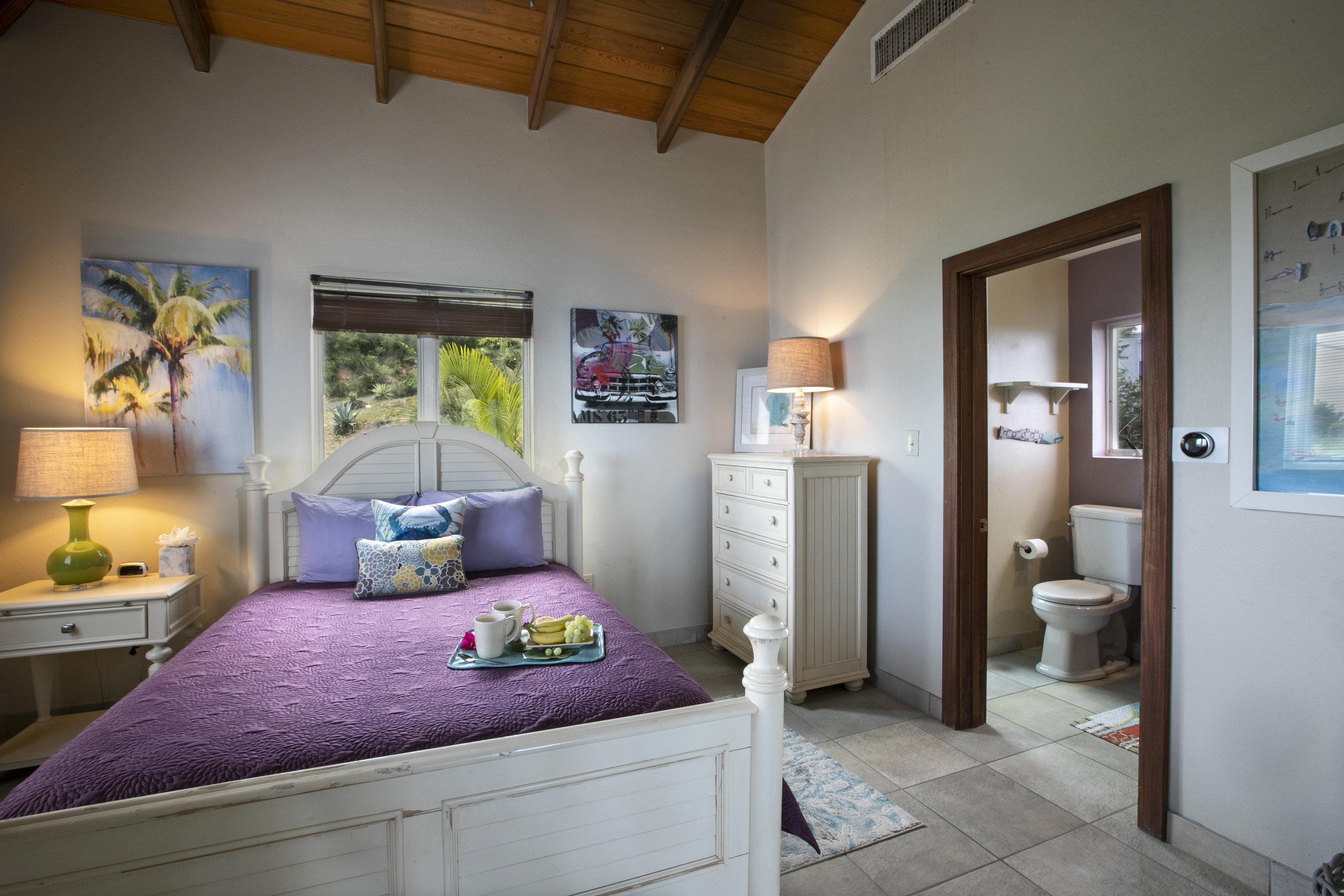 Bedroom 2 • Queen bed