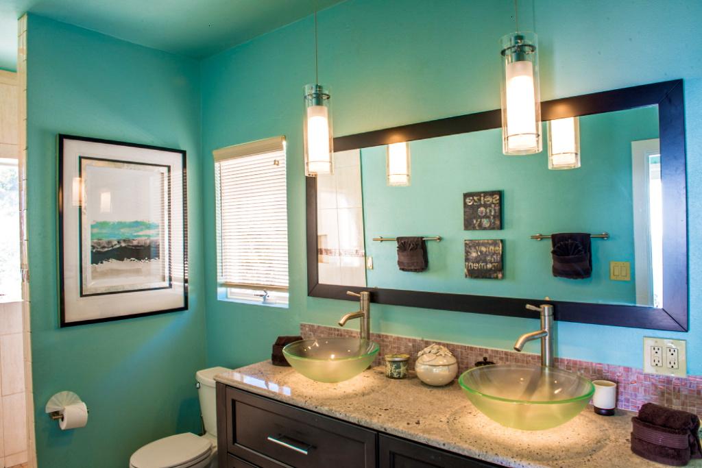 Bath 1 (Double Vanity)