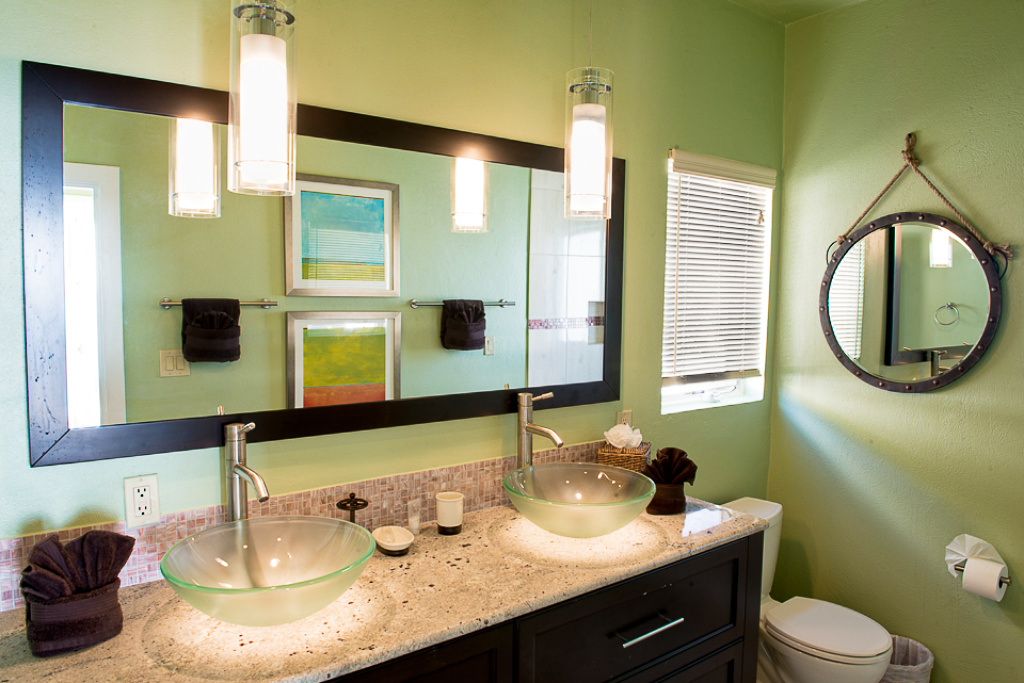 Bath 2 (Double Vanity)