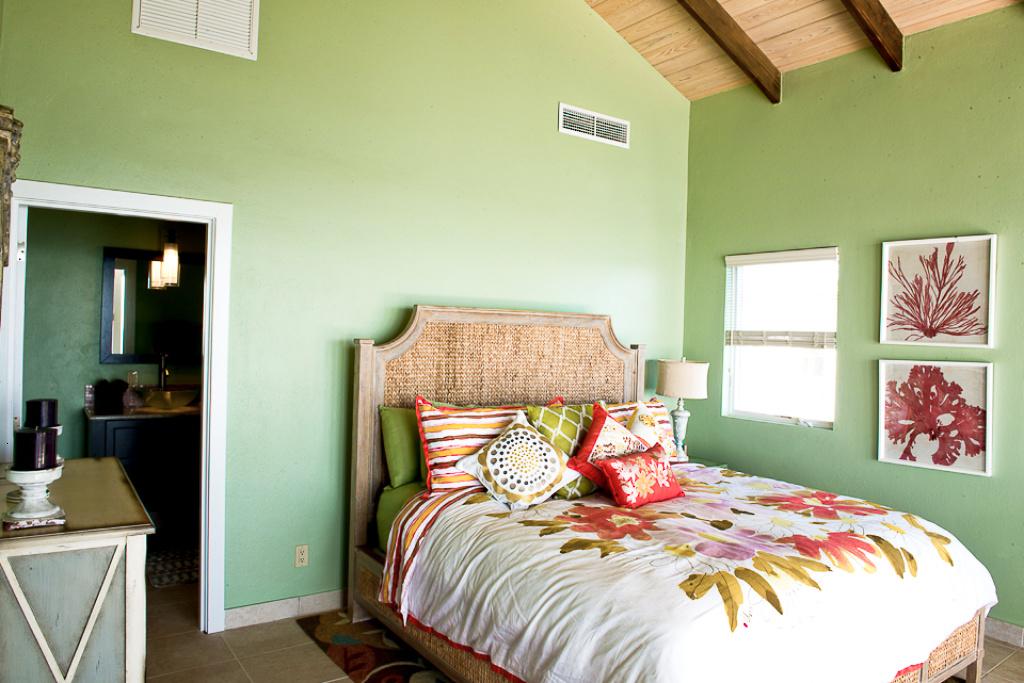 Bedroom 2 • King Bed