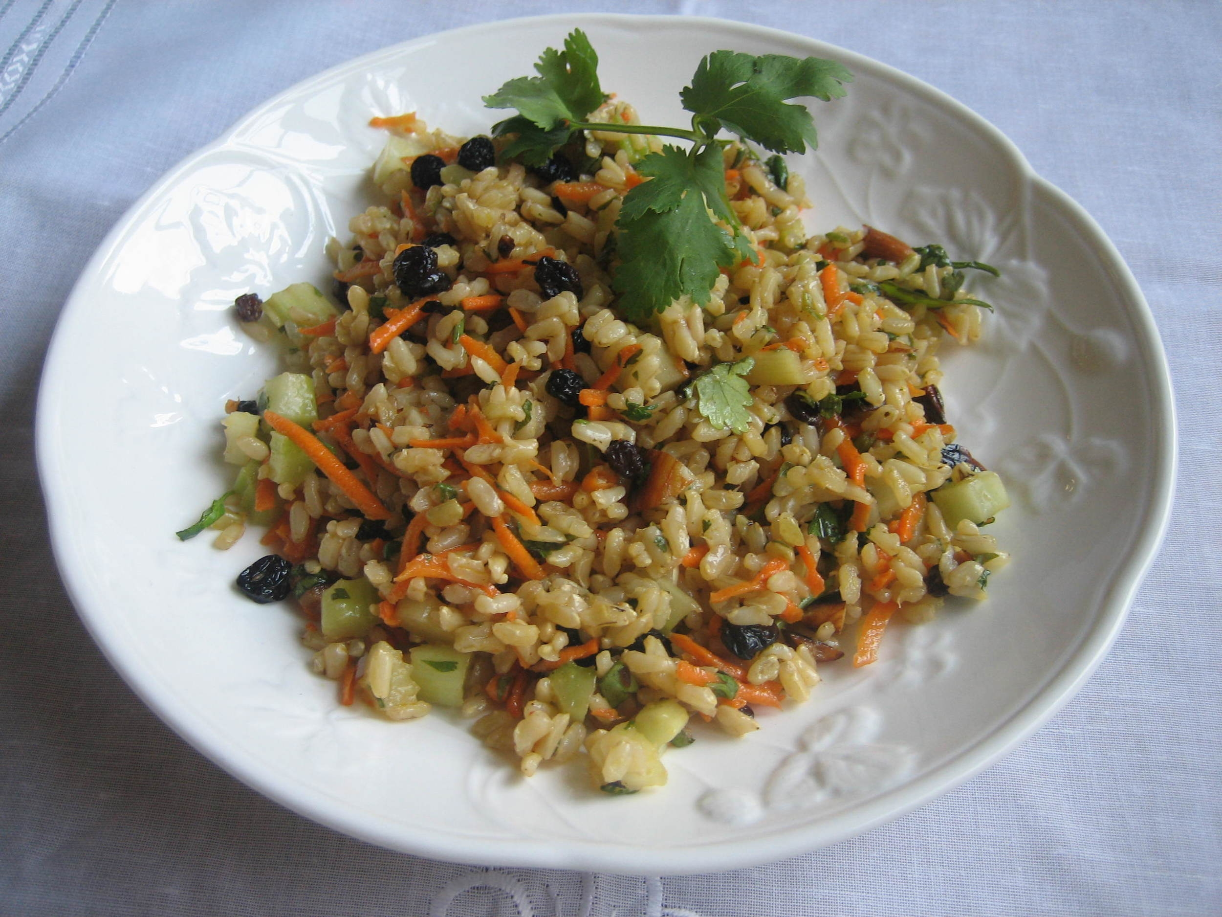 drtrishaboetto carrots, currants and brown rice