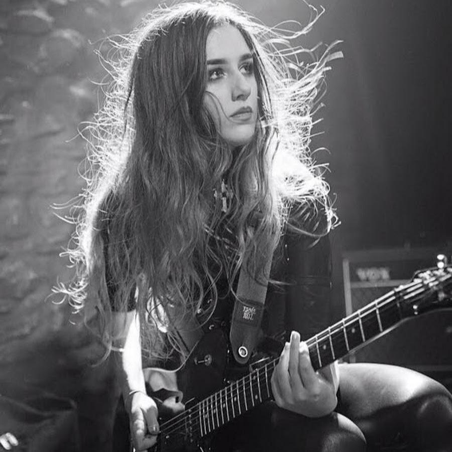 Holly Henderson_Guitar Triller.jpeg