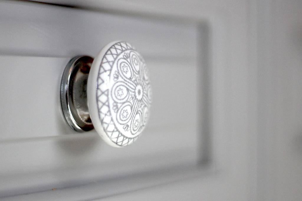 CabinetKnob Detail.jpg